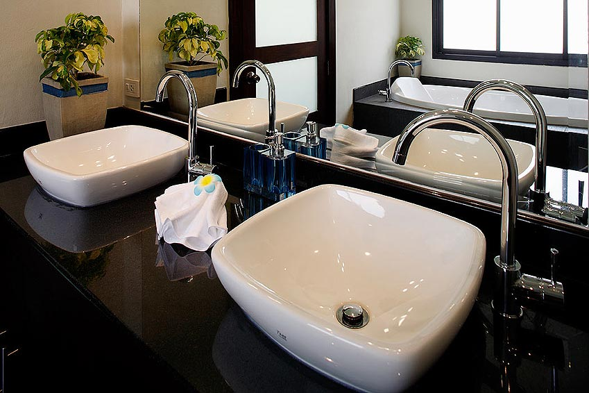 ensuite bathroom gemstone villa nai harn phuket holiday rental
