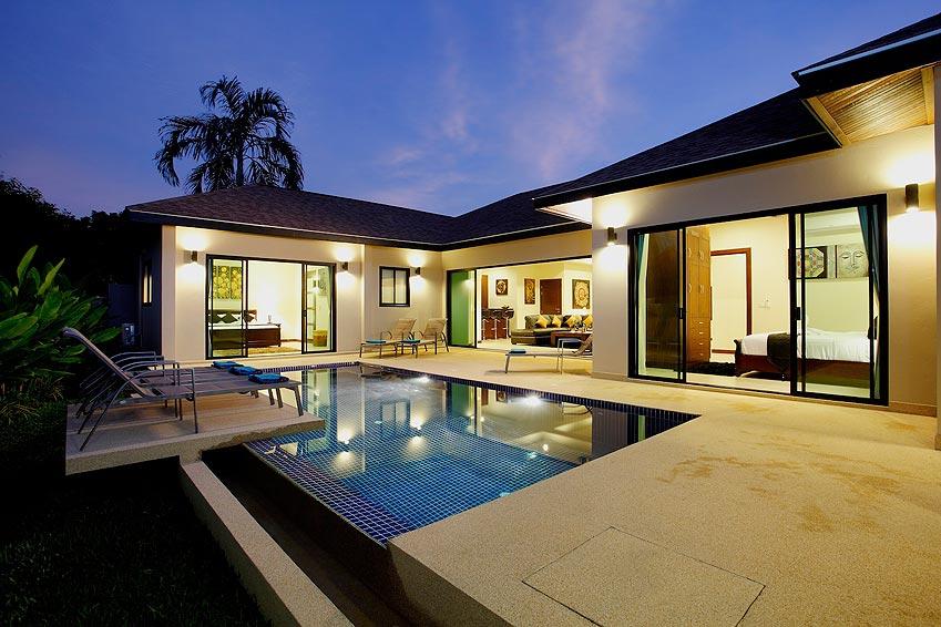 poolside infinity nightime onyx villa nai harn phuket holiday rental