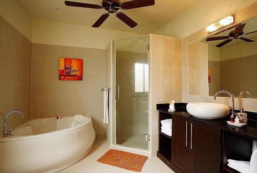 ensuite bathroom bath pearl villa nai harn phuket holiday rental