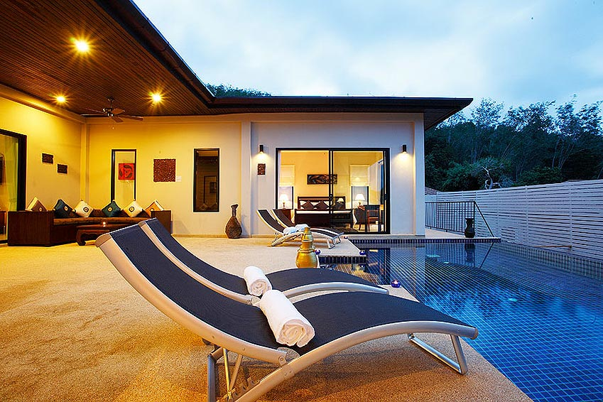 sundeck infinity pool pearl villa nai harn phuket holiday rental