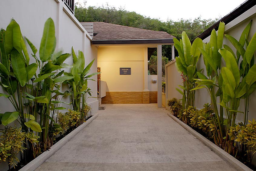 entrance and parking sapphire villa nai harn phuket holiday rental