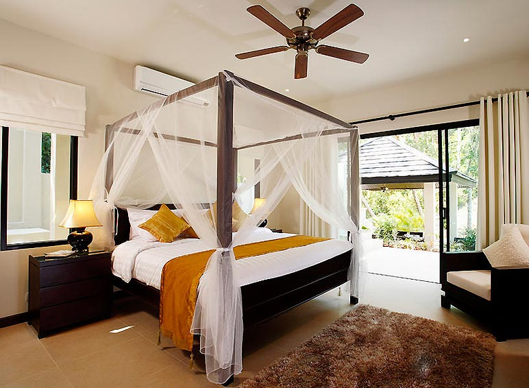 four poster double bed sunstone villa nai harn phuket holiday rental