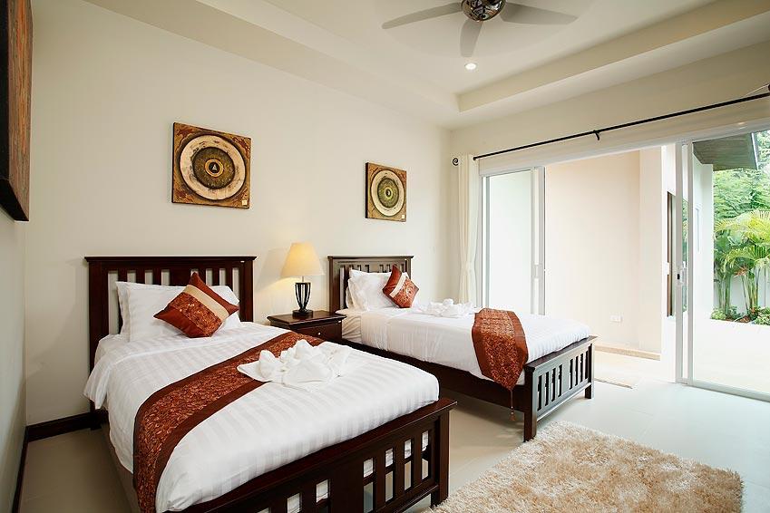 twin bedroom topaz villa nai harn phuket holiday rent