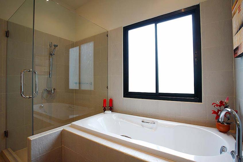 crystal villa nai harn phuket holiday rental ensuite bathroom bath shower wc
