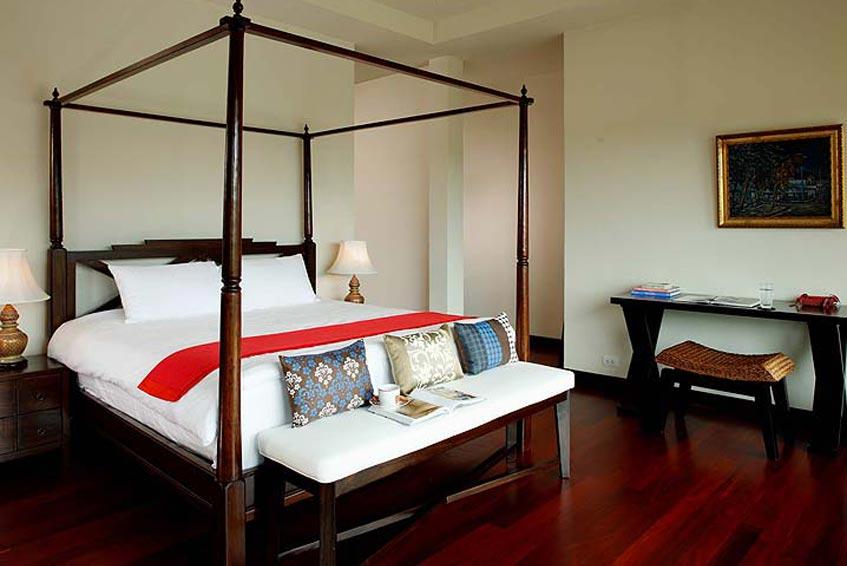 emerald villa nai harn phuket holiday rental four poster double bed