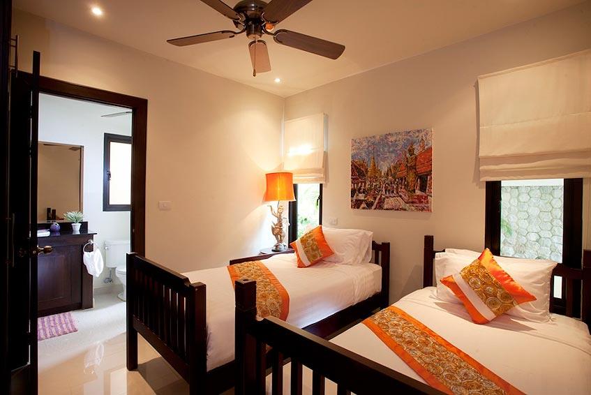 emerald villa nai harn phuket holiday rental twin bedroom en suite bathroom