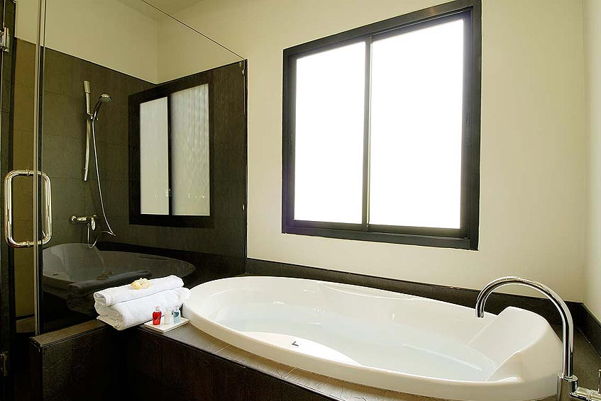 sapphire villa nai harn phuket holiday rental ensuite bathroom bath shower wc