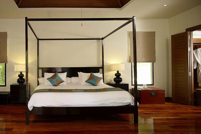 villa maria nai harn phuket holiday rental four poster bed walk in wardrobe en suite